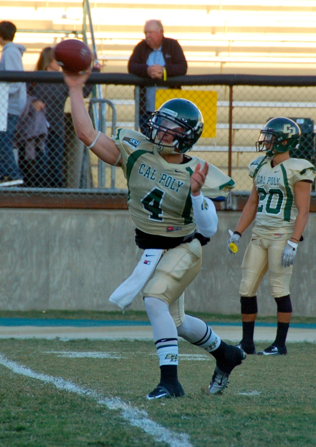 Sophomore quarterback, Dano Graves