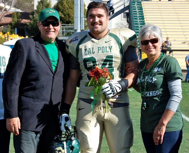Senior captain and defensive lineman, Sullivan Grosz and his parents